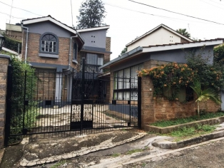 S350:Two level house,four bedroom,two ensuite bedrooms in Kilimani.